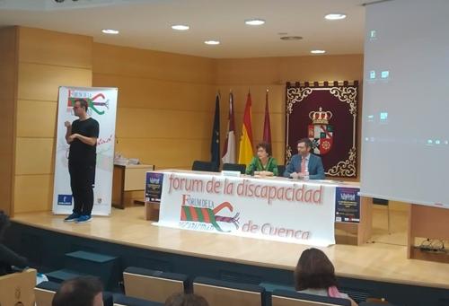 El director gerente de Plena inclusión CLM, Daniel Collado, participó en las jornadas sobre accesibilidad que se celebraron en Cuenca