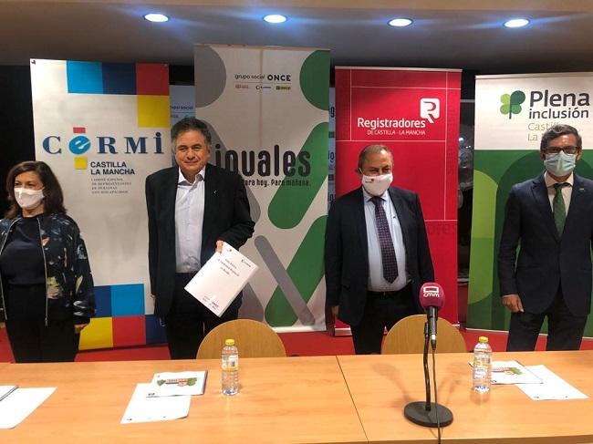 Ayer presentamos junto al Colegio de Registradores de Castilla-La Mancha, ONCE y CERMI CLM dos Guías, una sobre el Registro adaptada a Lectura Fácil y otra en Braille